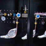 разрядная-рампа-РР-01х3-Азот-в-шкафном-исполнении-в-комплекте-с-баллонами
